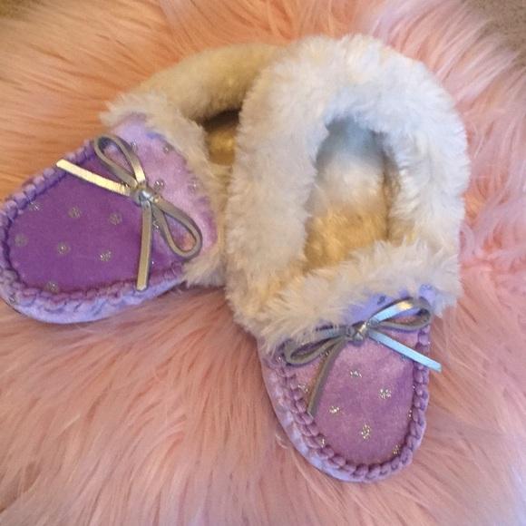 1db0bed5874ea Brand new Cat & Jack girls purple slippers